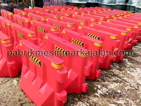 Movable Barrier Plastik